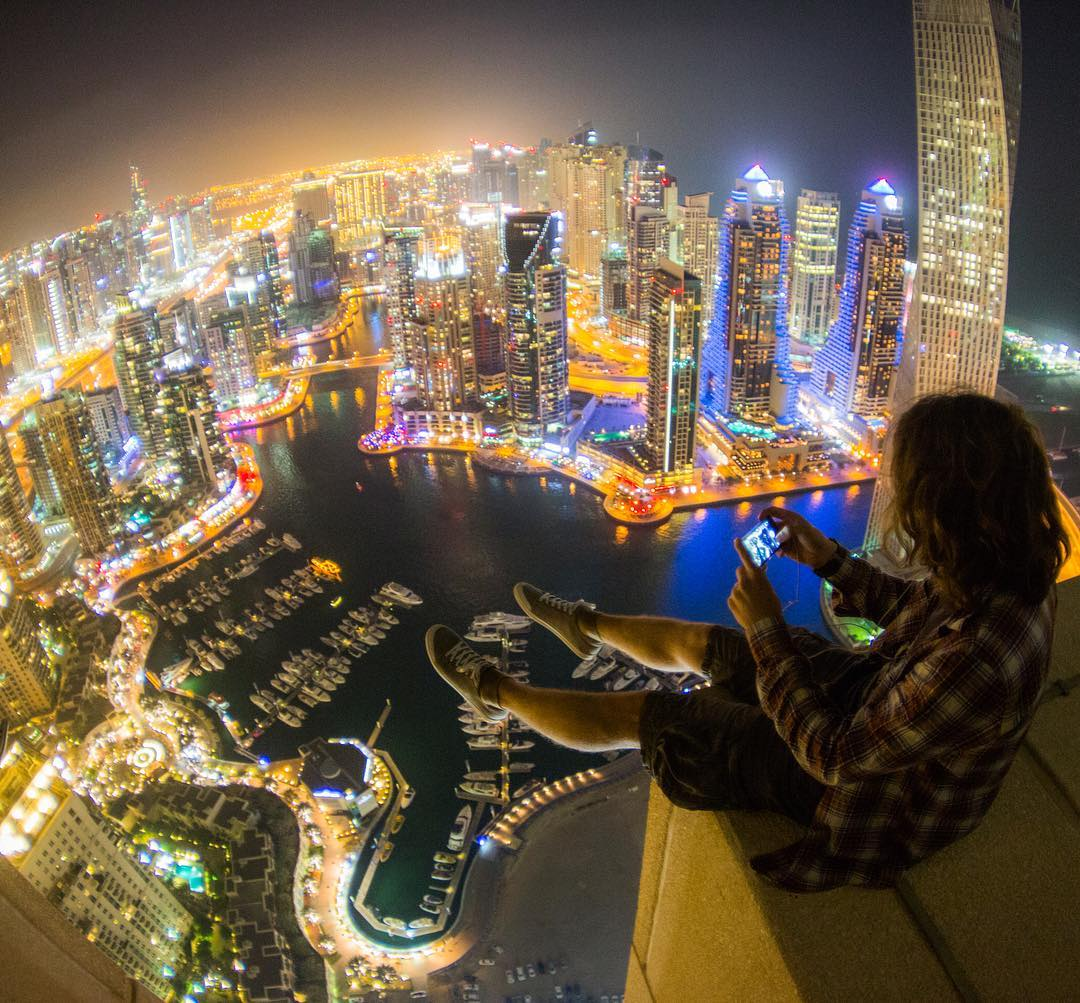 12 Breathtaking Sights From The Russian Roof Climber